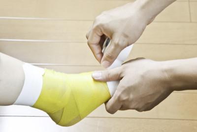 南戸塚整骨院の足のテーピング施術